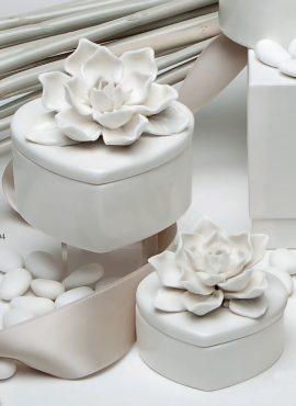 Scatola porcellana piccola cuore magnolia