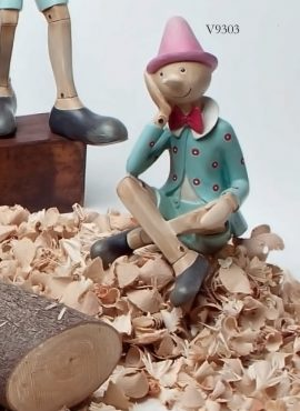 Pinocchio seduto grande