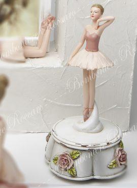 Ballerina su scatolina