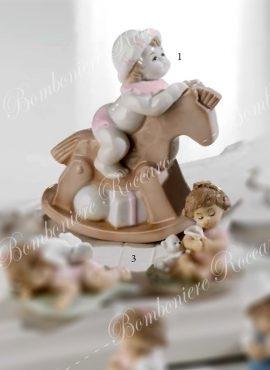Cavalluccio porcellana con bimba